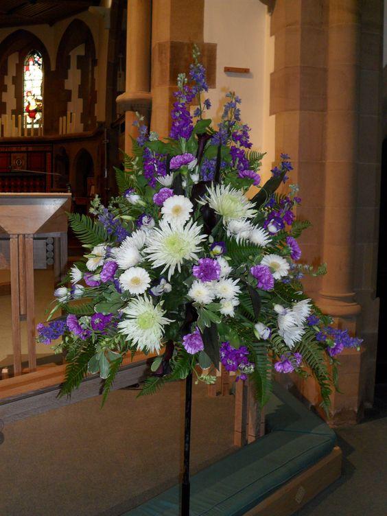 flower arrangements for church