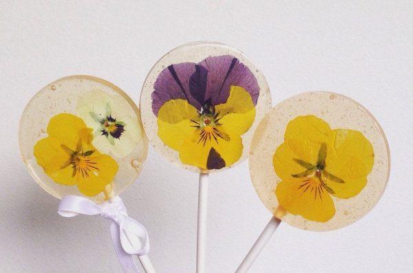 edible flowers recipe lollipops